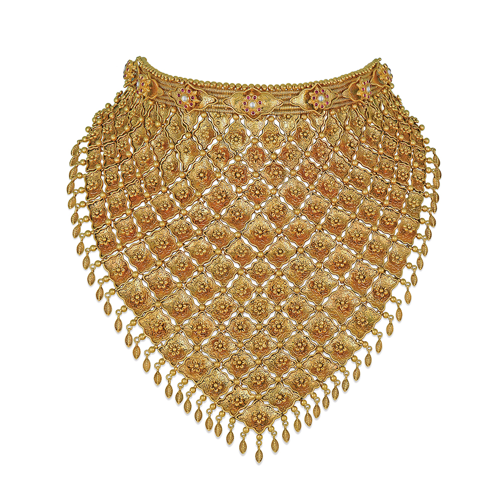 22 kt gold chainmail showstopper with a 3D floral latice - Showstopper | Azva