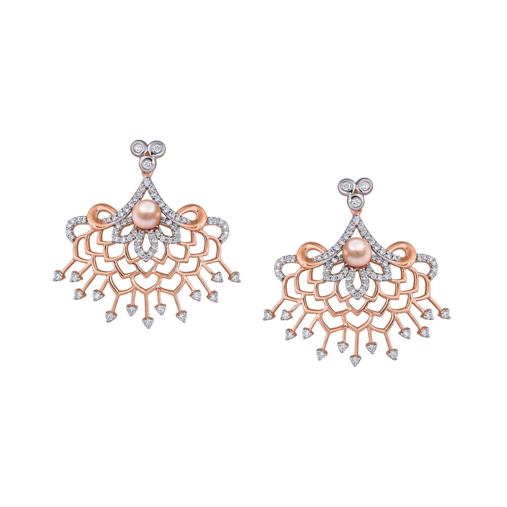 Diamond floral earring in rose gold