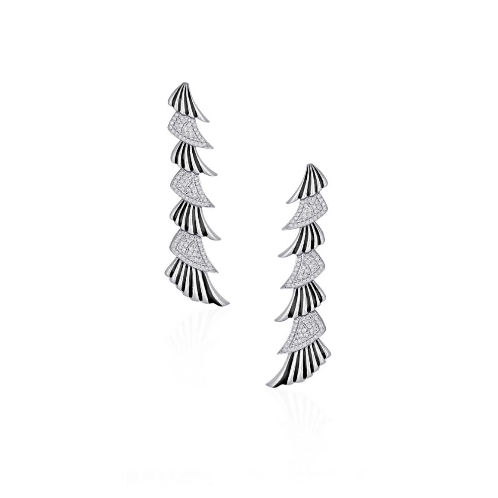 18 Kt White Gold Enamel Earrings With Round Brilliant Diamonds