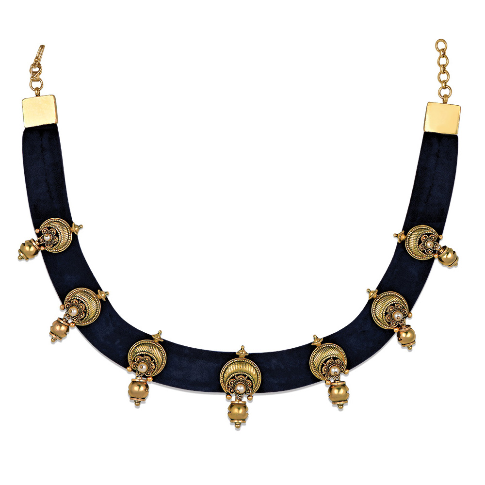 22 kt Gold Choker with A Velvet Band - Choker | Azva