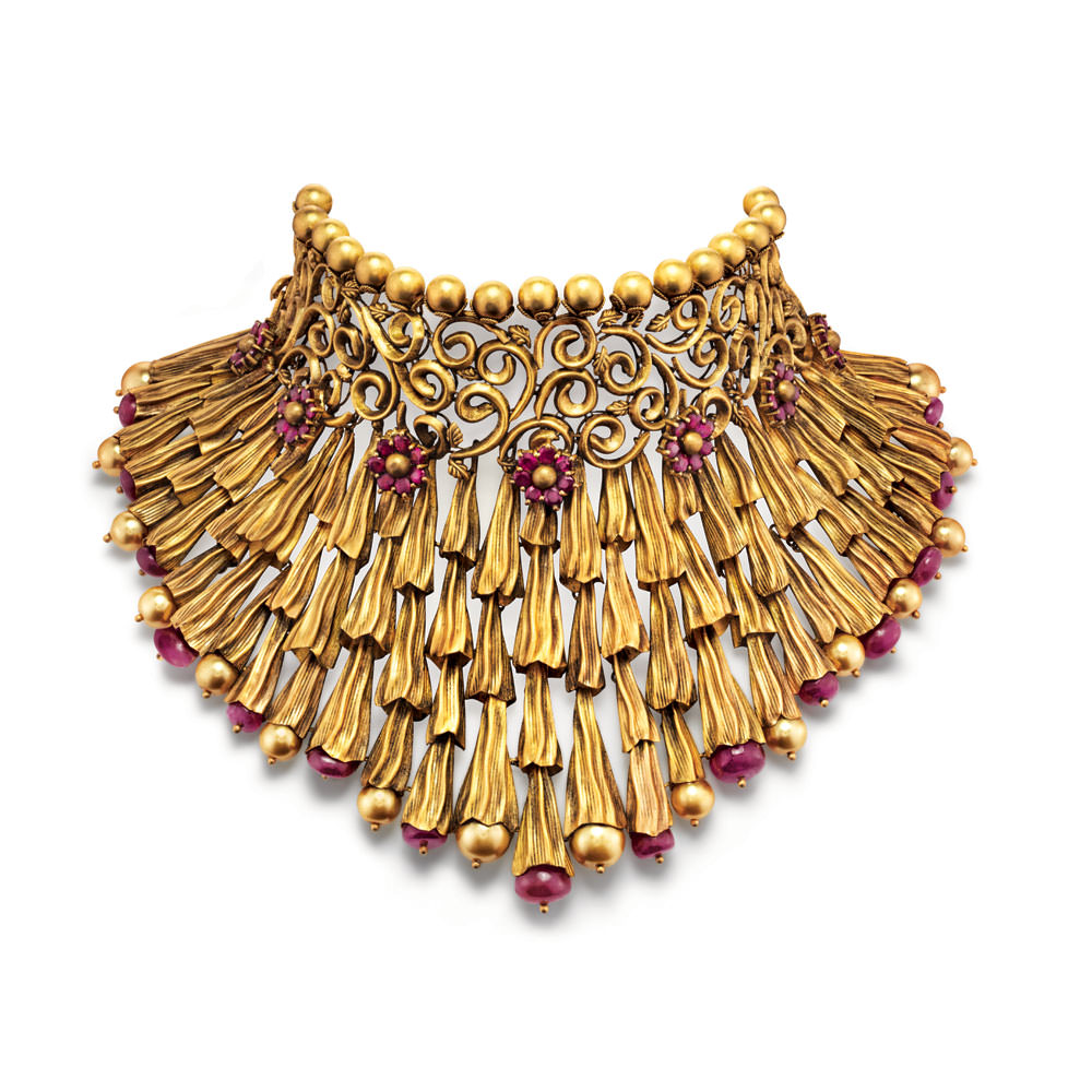 22 kt Gold Showstopper with Intricate Floral Flutes - Showstopper | Azva